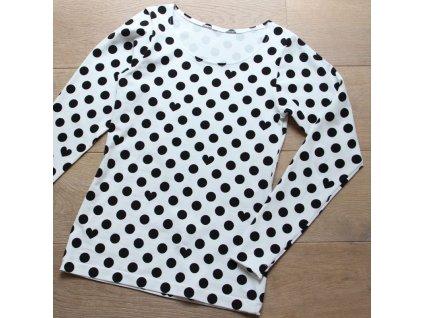 Střih na základní dámské tričko s dlouhým rukávem