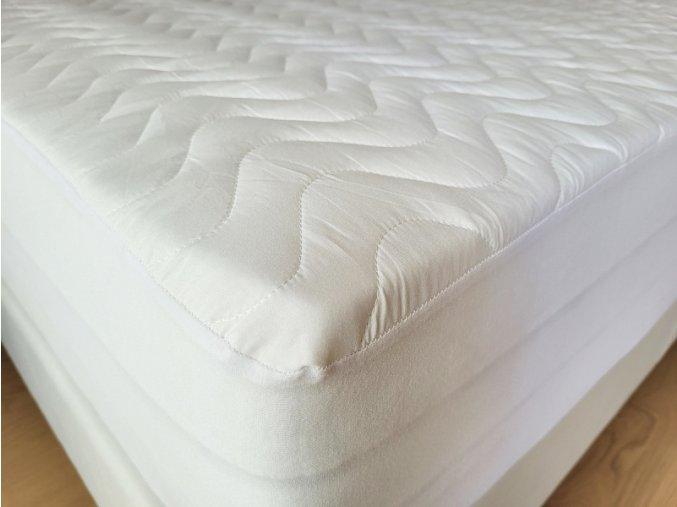Napínací matracový chránič s nepropustnou úpravou