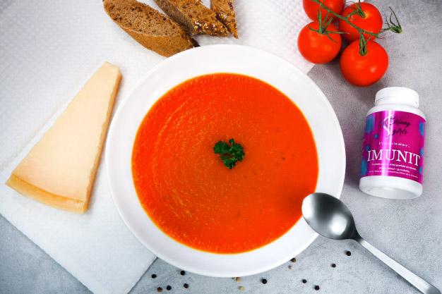 Středomořská rajčatová polévka