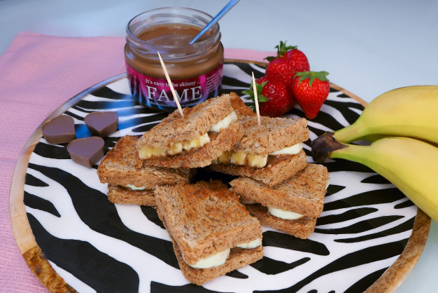 sendvič-s-lískoořechovým-máslem