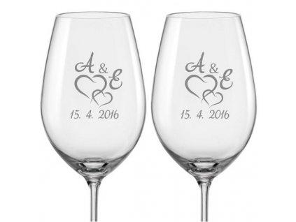 Svatební skleničky na víno Spojená srdce s monogramem, 2ks