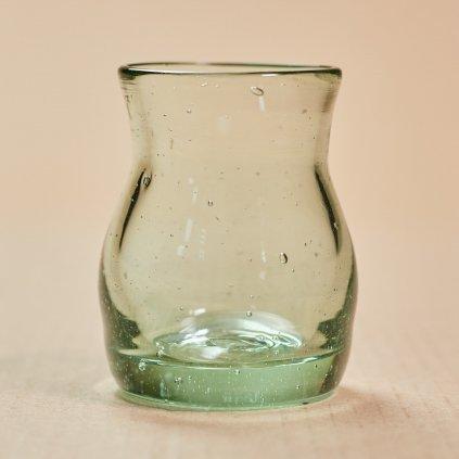Sklený štamperlík - ľudové sklo - ručne tvarované - sklený sen