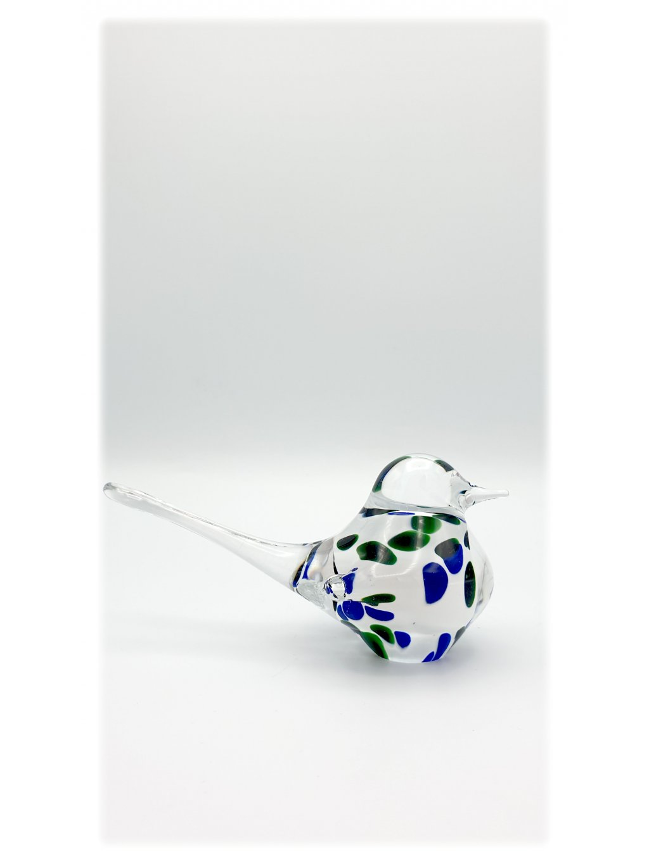 Skleněný ptáček malý bílý s modrými a zelenými fleky