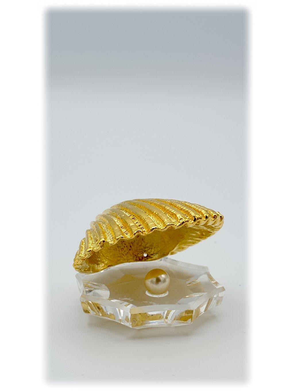 Křišťálová broušená mušle s perlou