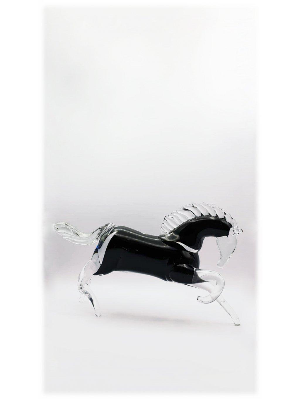 Skleněný kůň v běhu malý - černý