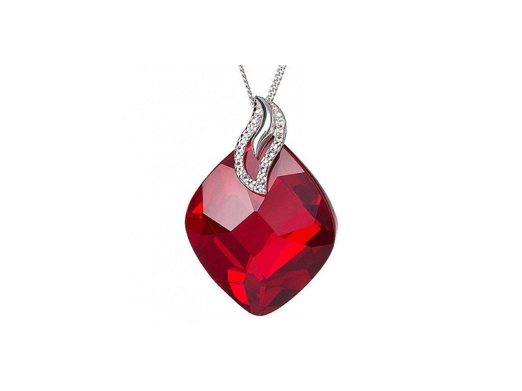 Přívěsek z broušeného skla Colourful Leaf v červené barvě od firmy Preciosa