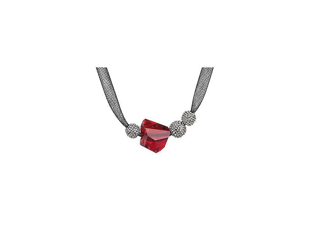 Přívěsek z broušeného skla Charme v červené barvě od firmy Preciosa