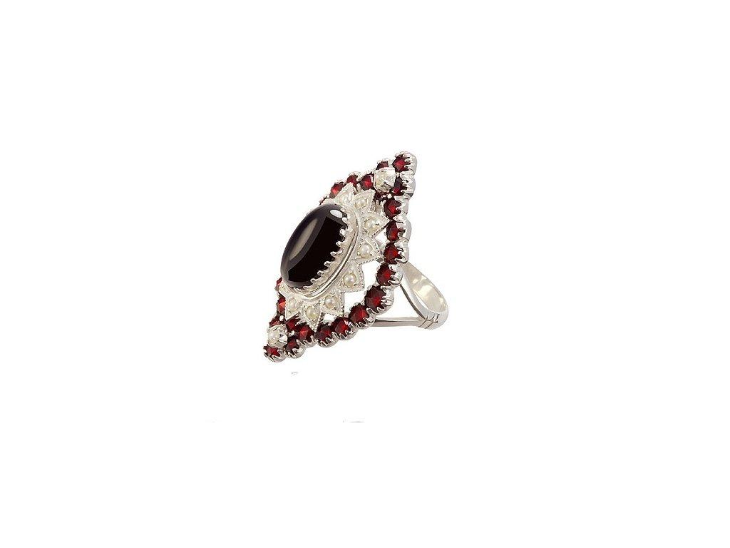 Český granát  Luxusní prsten s pravými perlami