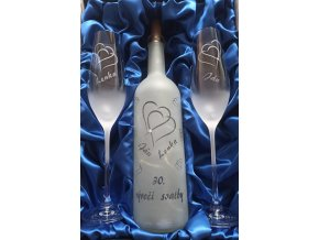 Svatební číše s dekorativní svítící lahví