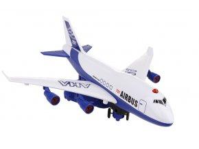 Letadlo s funkcí simulovaného vzletu skladem