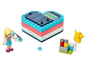 LEGO Friends Stephanie a letní srdcová krabička