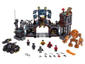 LEGO Super Heroes Clayface™ útočí na Batmanovu jeskyni