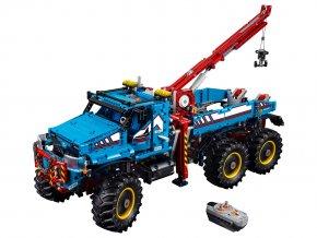 LEGO Technic Terénní odtahový vůz 6x6
