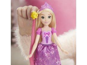 Disney Princess panenka s kadeřnickým příslušenstv