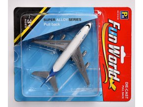 Kovové letadlo skladem