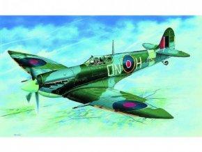 Model Supermarine Spitfire H.F.MK.VI 12,9x17,2cm v krabici skladem