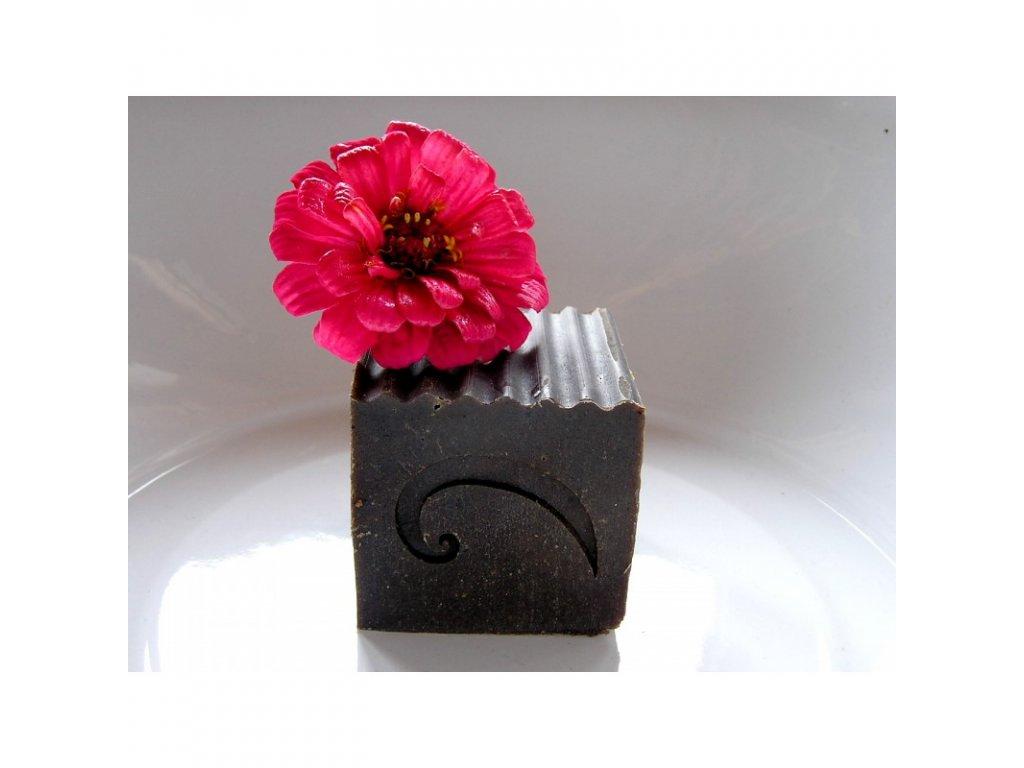 kvetinovy sampon s hennou
