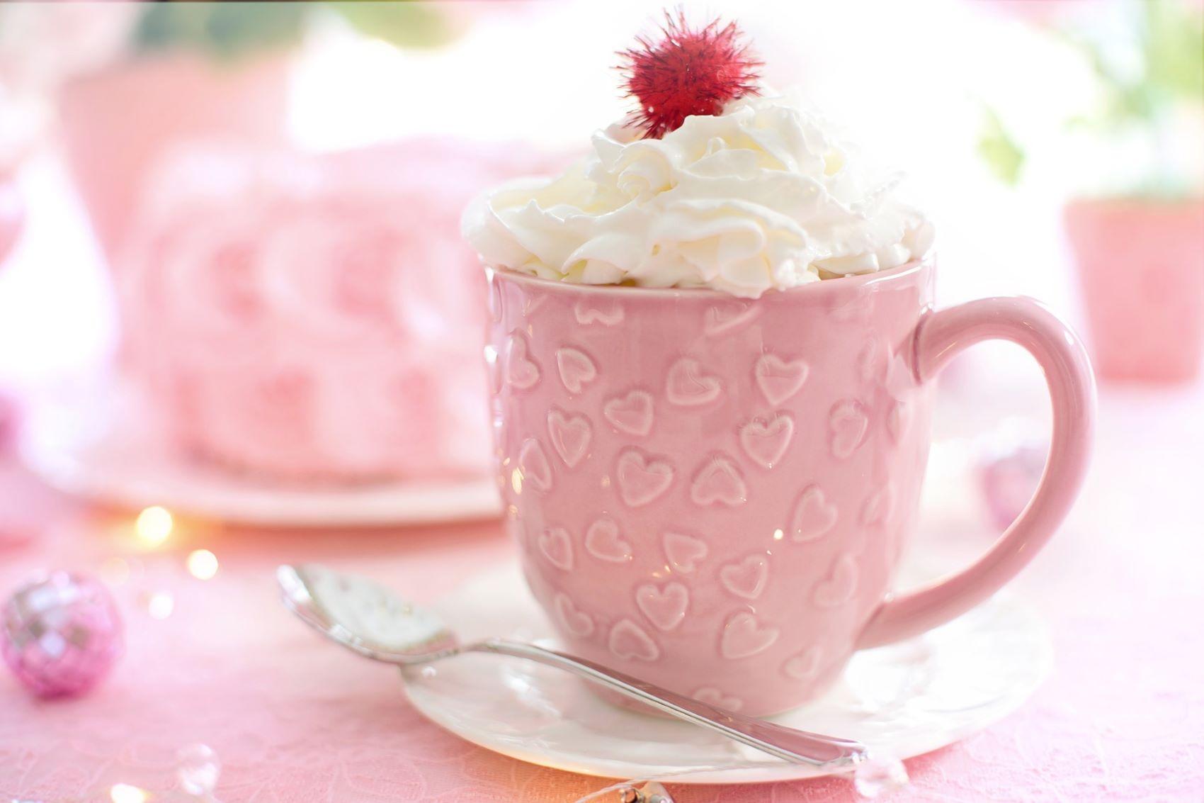Valentýn - hrnek s kávou a šlehačkou