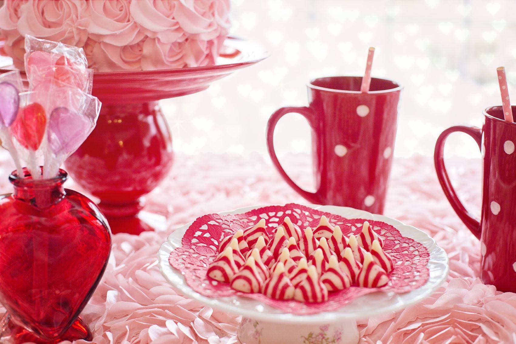 Valentýn - hrnek kávy se sušenkami