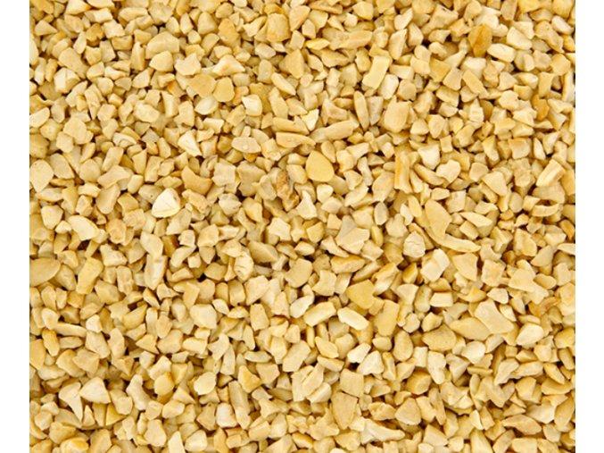 arašídy pražené sekané