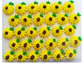 žluté květy na platíčku