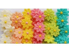 směs pastelových květin
