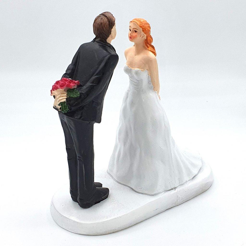 Svatební figurka LUX - novomanželský pár před polibkem  LIMITOVANÁ EDICE