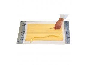 8288 rost paskovaci na piskotove platy rez 2 a 4 cm