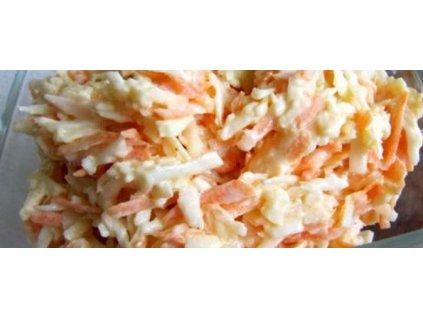 celerový salátek s mrkví a jogurtem
