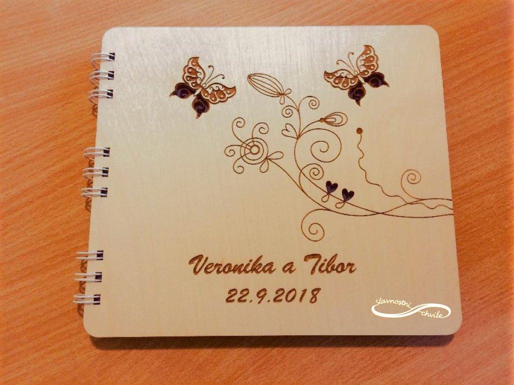 kniha hostů s motýlky