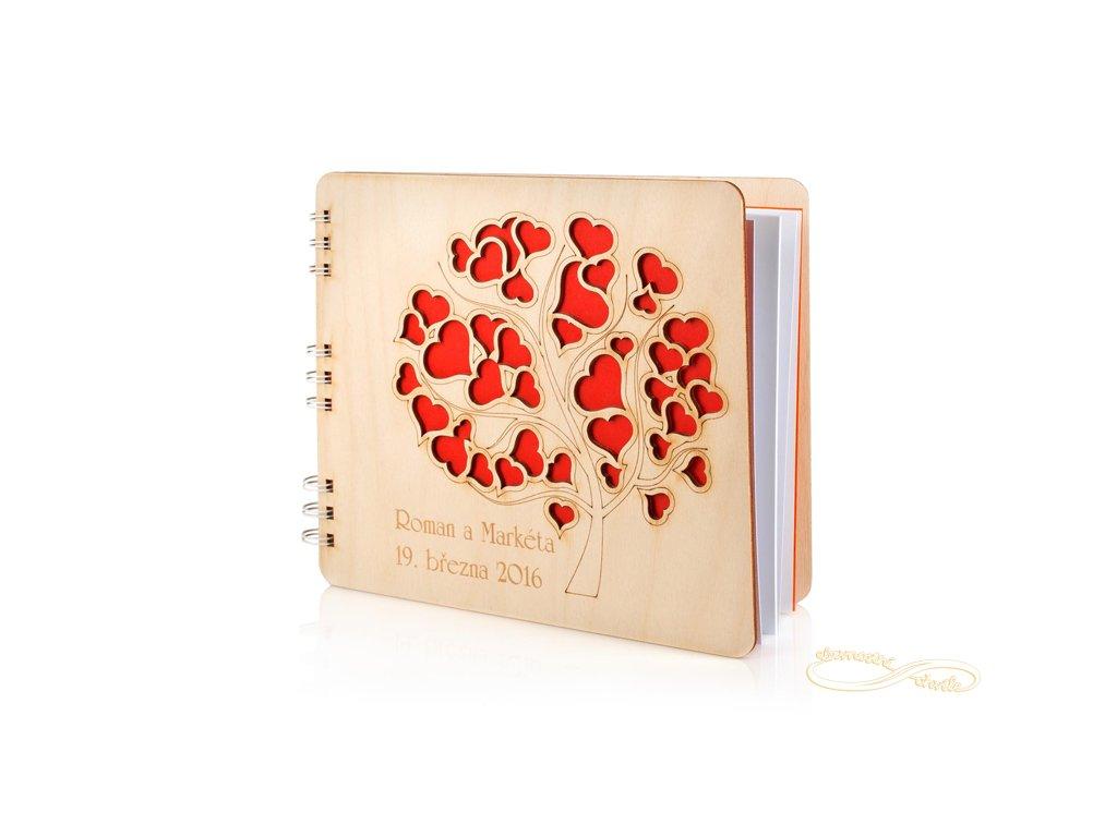 Dřevěné svatební fotoalbum Strom se srdíčkami