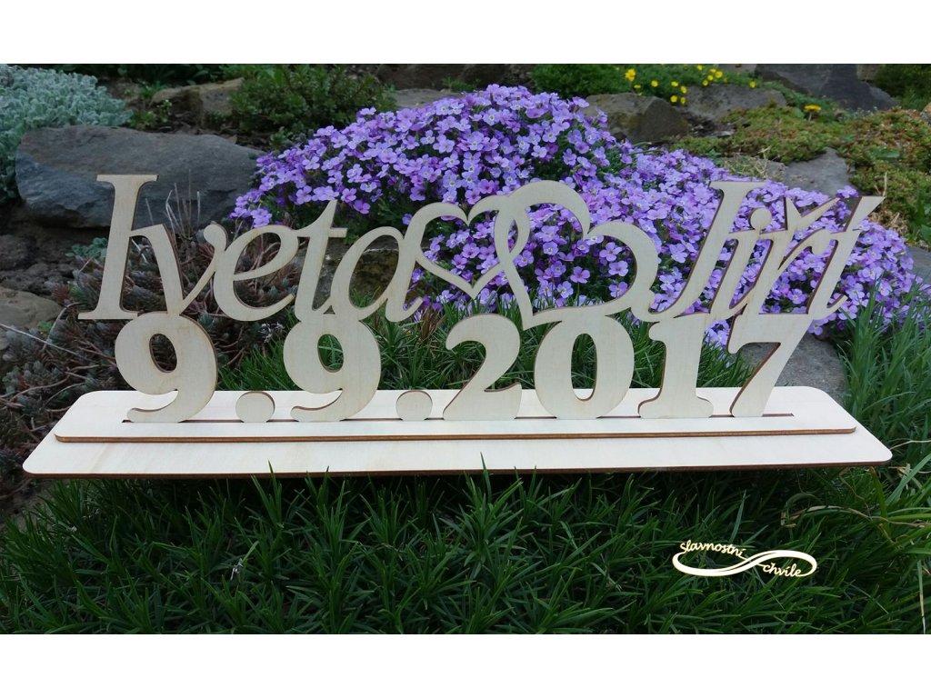 Svatební dekorce, kde dominantou je datum svatby