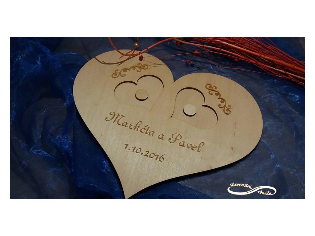 Dřevěný tác pro přírodní svatby
