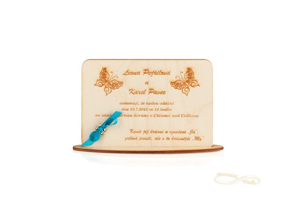 Svatební oznámení s gravurou motýlků