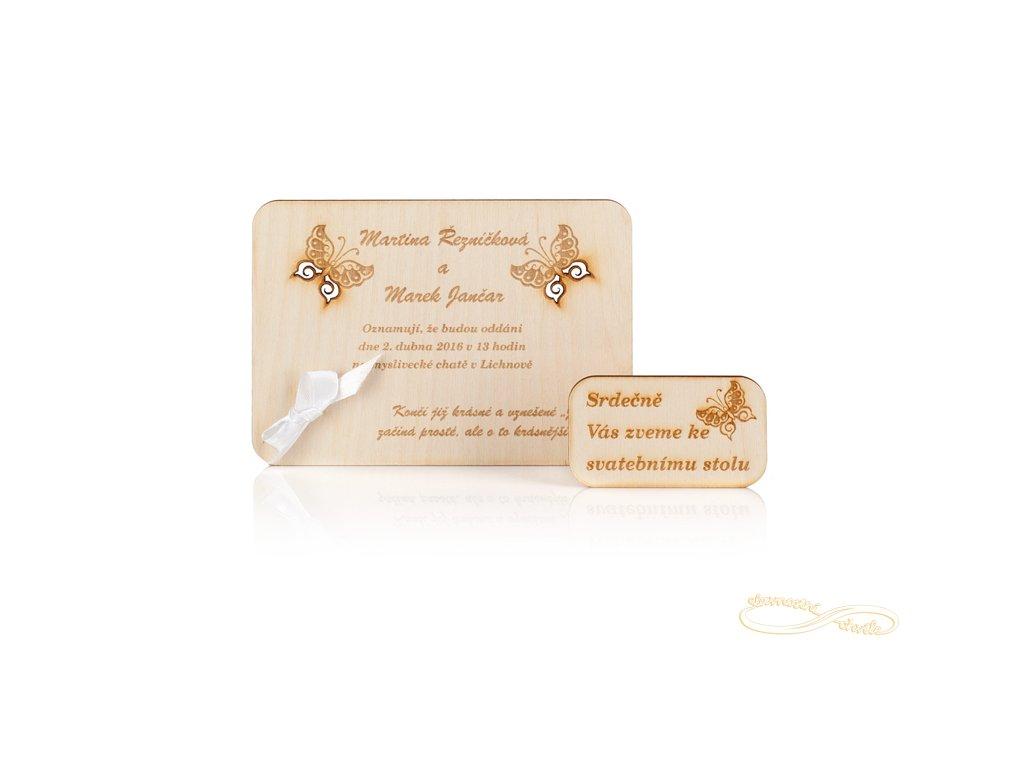 Svatební oznámení s vyřezávanými motýlkami