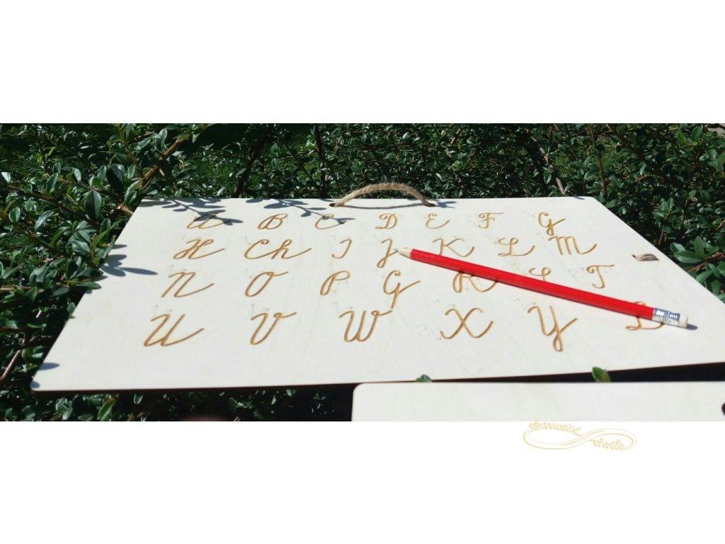 Tabulka pro nácvik psaní velkých psacích písmen