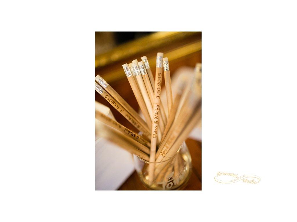 svatební tužky se jmény svatebčanů