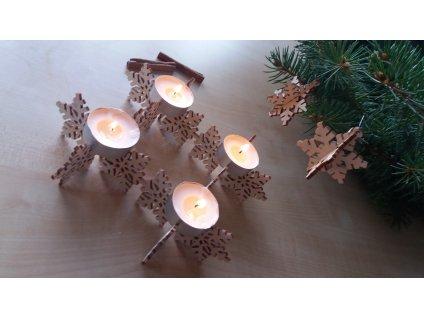 Dřevěný svícen na 4svíčky