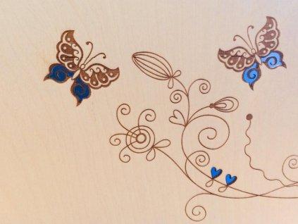 památka na svatbu v knize hostů s motýlky
