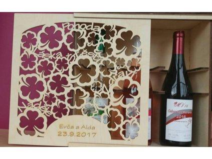 Dřevěná dárková kazeta na tři lahve vína