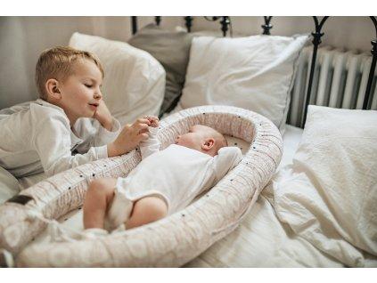Hnízdečko pro miminko Sleepee Newborn Feel světle šedá