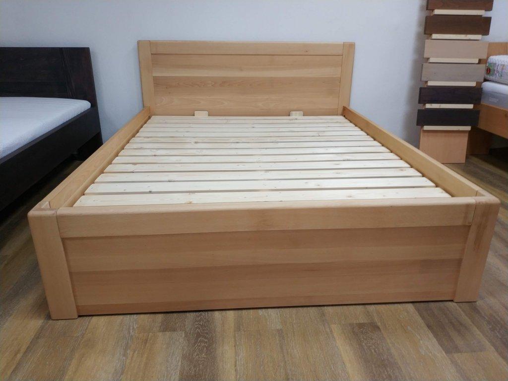 Dřevěná postel LARISSA s úložným prostorem