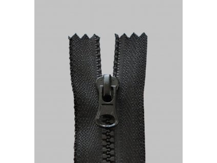 Zip kostěný 3mm děl 65cm