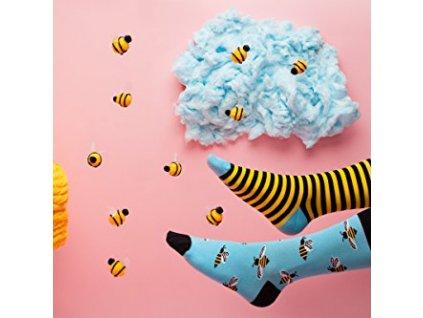 51746 5 vesele ponozky vcela