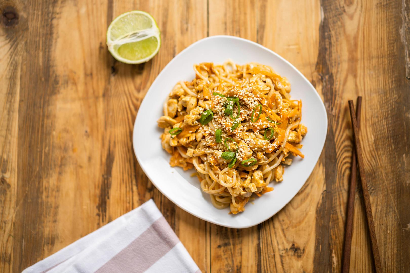 Thajské Panang Curry s kuracím mäsom a sezamom