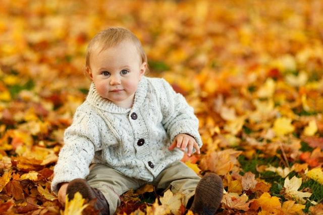 Prichádzajú chladné dni. Čo obliecť dieťatku?