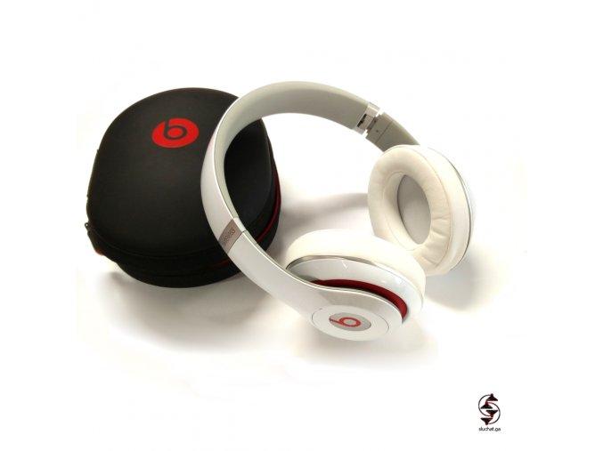 Sluchátka Studio 2 Wireless s originálním pouzdrem a příslušenstvím.