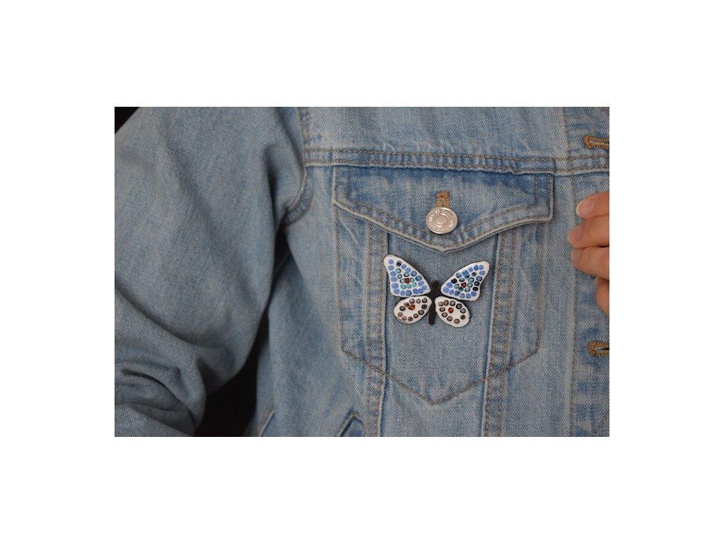 Brož - motýl