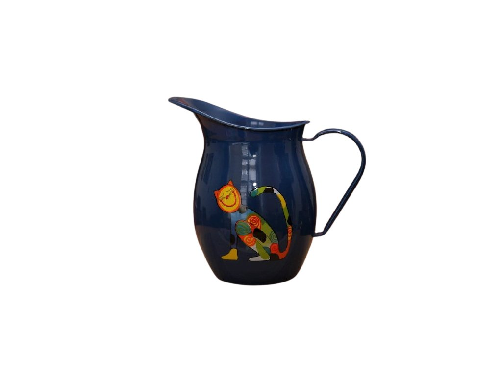 1176 pitcher with cat