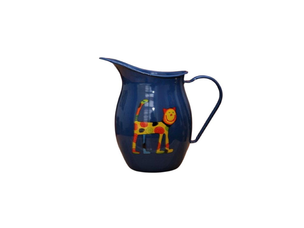 1179 pitcher with cat